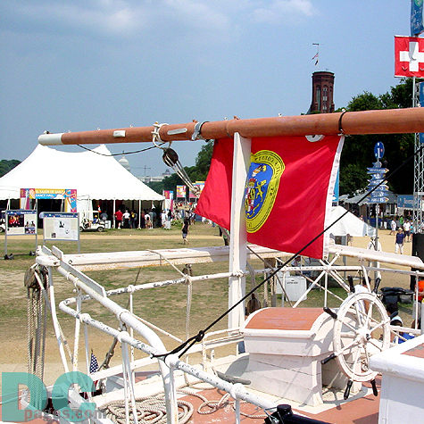 The mast of this ship points right to the music tent of the Nuestra Música portion of the Folklife Festival.