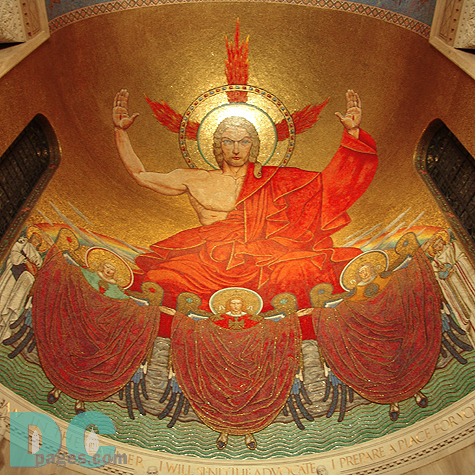Above the Shrine's main altar is Christ in Majesty. The world's largest mosaic image of Christ is the centerpiece of the Great Upper Church. The icon is over 3,600 square feet and contains nearly 3 million tiles. Eminence inspires veneration.