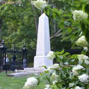 Thomas Jefferson's cemetary marker (monument)